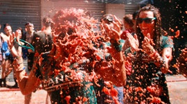 Do we love tomatoes?! – La Tomatina 2014